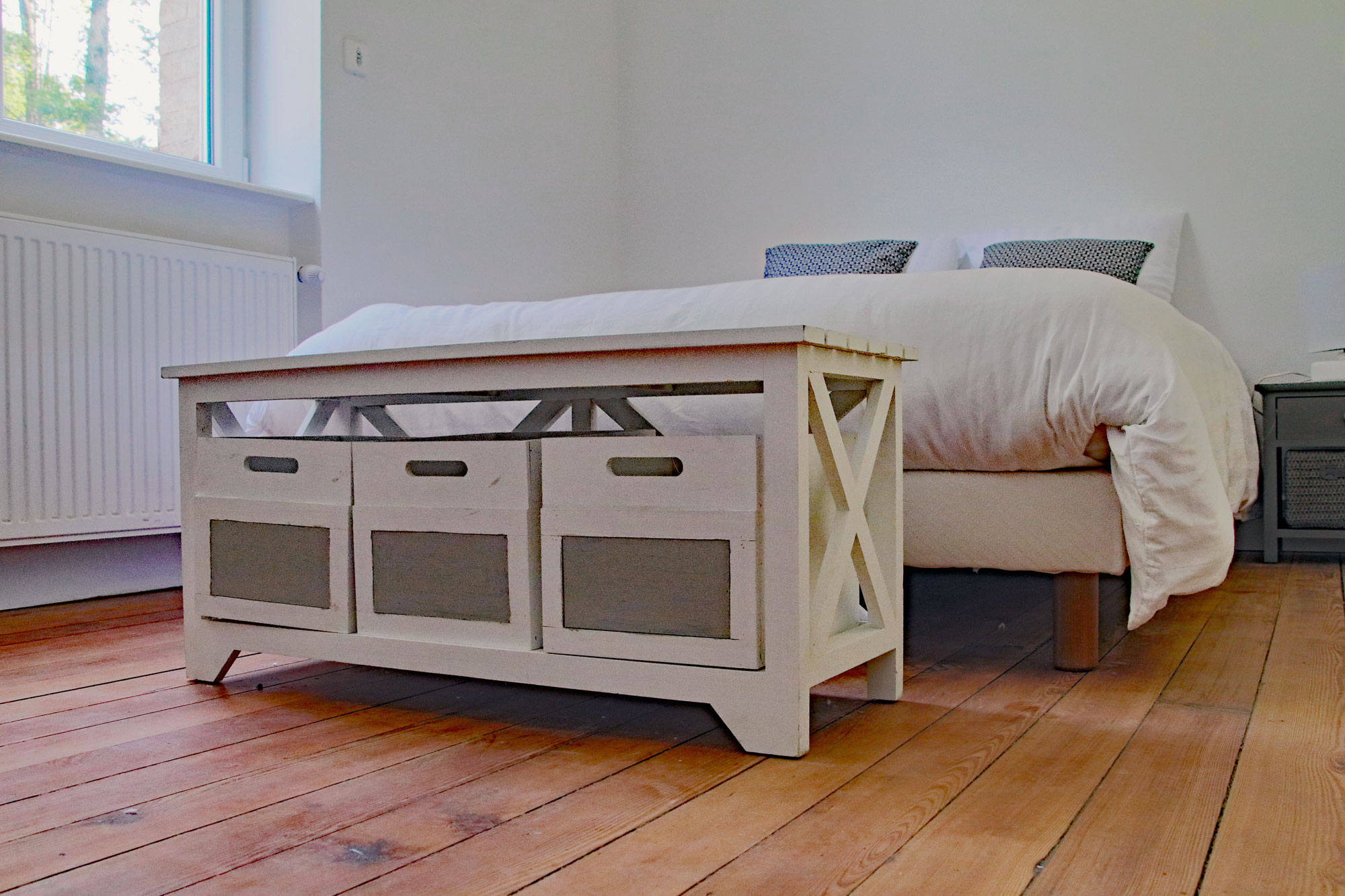 le-manoir-de-houlle-eperlecques-chambre-beige-lit-bas