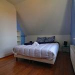 le-manoir-de-houlle-eperlecques-chambre-bleu-lit-face