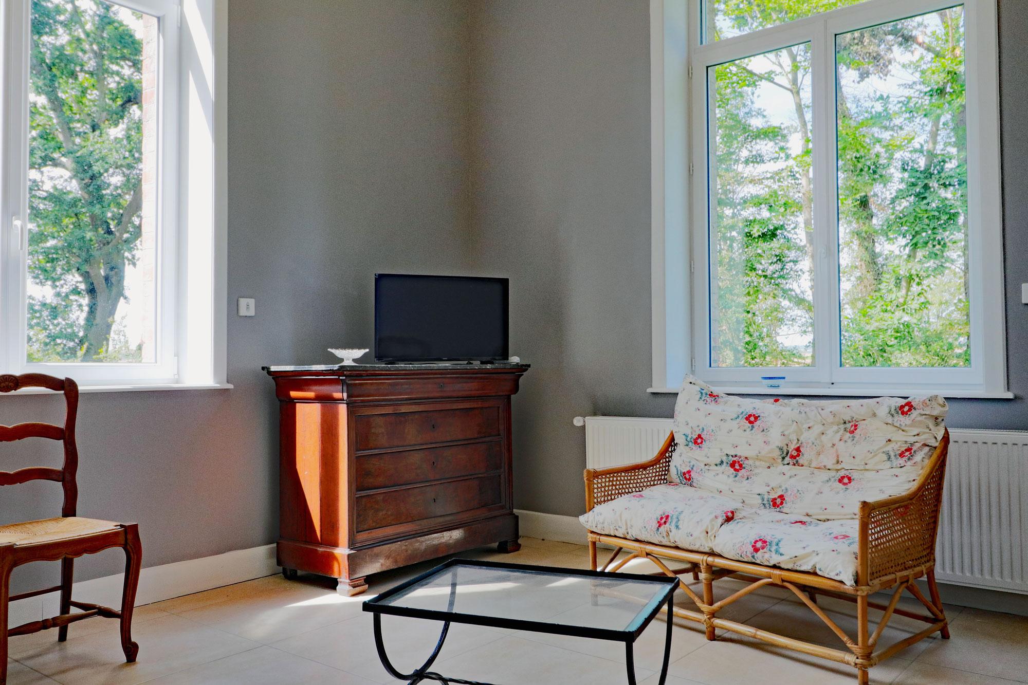 le-manoir-de-houlle-eperlecques-salon-television